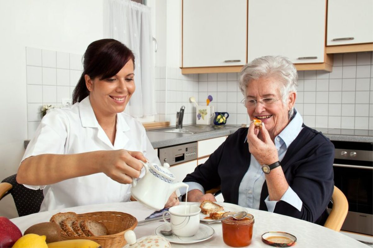 LARGE-bigstock-nurse-helps-elderly-woman-at-b-25297304_preview-1200x800.jpg