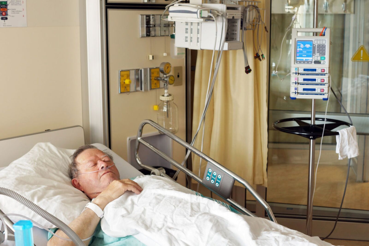 LARGE-bigstock-Senior-Man-In-Hospital-Bed-66031342_preview-1200x800.jpg